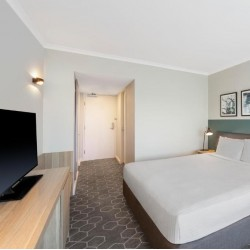 Vibe Hotel Rushcutters Bay Sydney - Stylish hotel rooms with easy access to Sydney city center featuring a rooftop swimming pool, fitness center and free WiFi located just a short stroll from Kings Cross Station.
